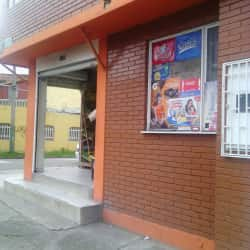 Tienda Carrera 52 con 1 en Bogotá