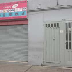 Tienda de los Cauchos Rojas en Bogotá