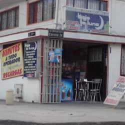 Bajo la La Luna Cigarrería en Bogotá