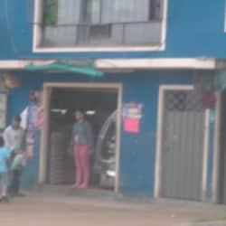 Avicola y Salsamentaria Carrera 7 Este con 109 en Bogotá