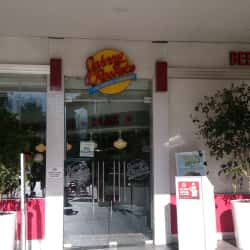Johnny Rockets - Mall Alto Las Condes en Santiago