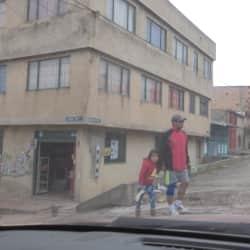Minimercado Carrera 7A Este con 104 en Bogotá