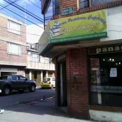 Panadería y Pastelería Caprichos  en Bogotá