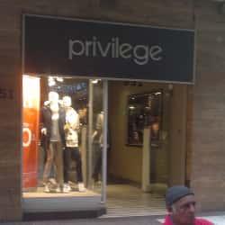 Privilege -  Agustinas en Santiago