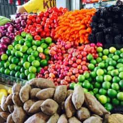 Mercado Abastos Tirso de Molina en Santiago