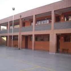 Escuela Básica Municipal Pablo Neruda en Santiago