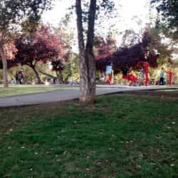Plaza Isla Walton / Neptuno en Santiago