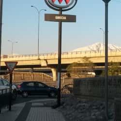 Estación Metro Grecia en Santiago