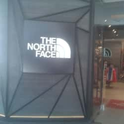 The North Face - Casa Costanera en Santiago