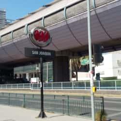 Estación Metro San Joaquín en Santiago