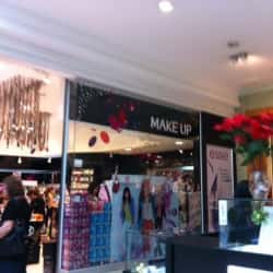 Make Up Express - Mall Plaza Vespucio en Santiago