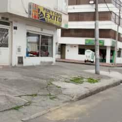 Pan y Café Exito  en Bogotá