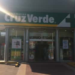 Farmacias Cruz Verde - Kennedy / Estrella del Norte en Santiago