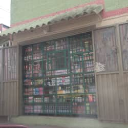 Cigarreria Carrera 127 en Bogotá