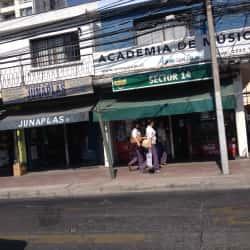 Botillería Sector 14 - San Miguel en Santiago