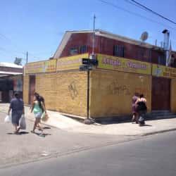 Fuente de Soda El Pollo Con Ñeque en Santiago