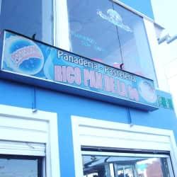 Panadería Pastelería Rico Pan de la 90 en Bogotá