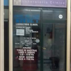 Laboratorio Clínico Cruz del Sur - Exposición en Santiago