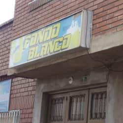 Fondo Blanco Papeleria  en Bogotá