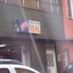 Panaderia y  Cafeteria Real  en Bogotá
