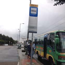 Paradero SITP Centro Comercial Metrópolis - 103A04 en Bogotá