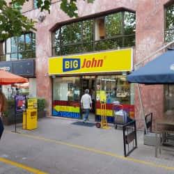 Big John - Isidora Goyenechea en Santiago