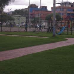 Parque Ciudad Kennedy Oriental Supermanzana 16 Transversal 78H en Bogotá