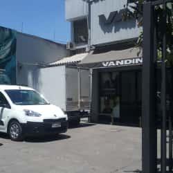 Outlet Vandine - Recoleta en Santiago