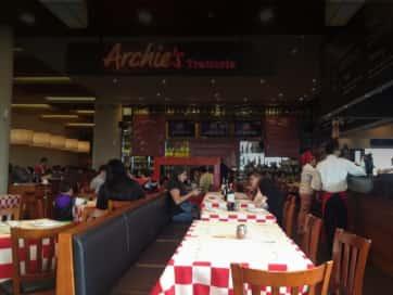 Archies Titán Plaza