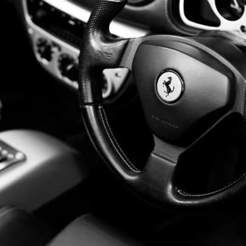 Limpieza interior + capa protectora para tu carro por $260.000