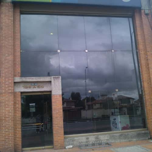 ETB Centro de Servicios Niza en Bogotá 10