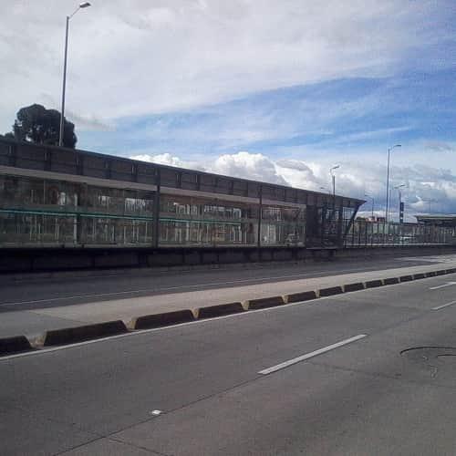 Estación Ciudad Jardín en Bogotá 3