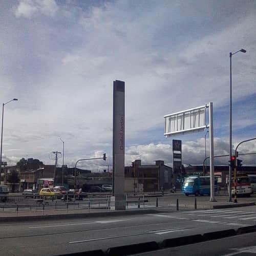Estación Ciudad Jardín en Bogotá 2
