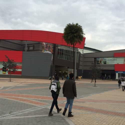 Centro Comercial Outlet Factory en Bogotá 8