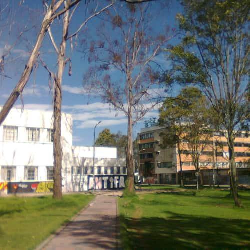 Universidad Nacional de Colombia en Bogotá 13