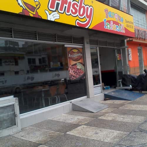 Frisby Galerías en Bogotá 6