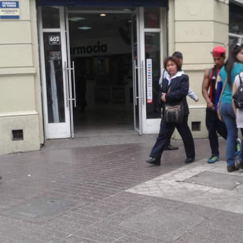 Farmacias Ahumada - Puente / Santo Domingo en Bogotá 4