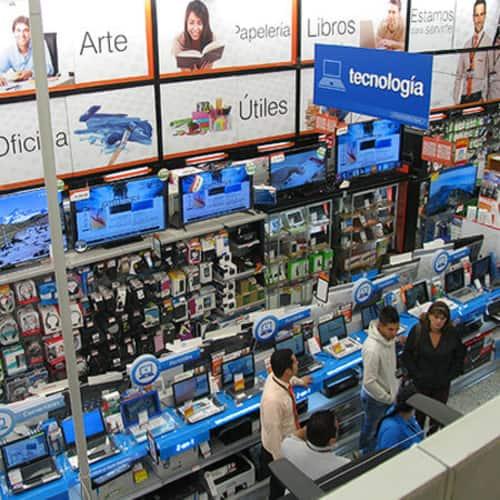 Panamericana Centro Comercial Unicentro en Bogotá 14