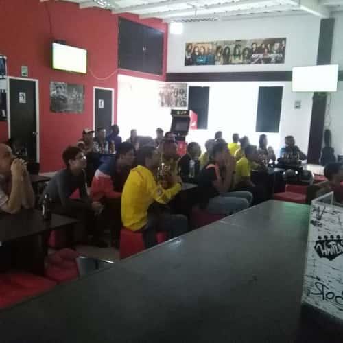 Whiplash Rock Bar en Bogotá 2