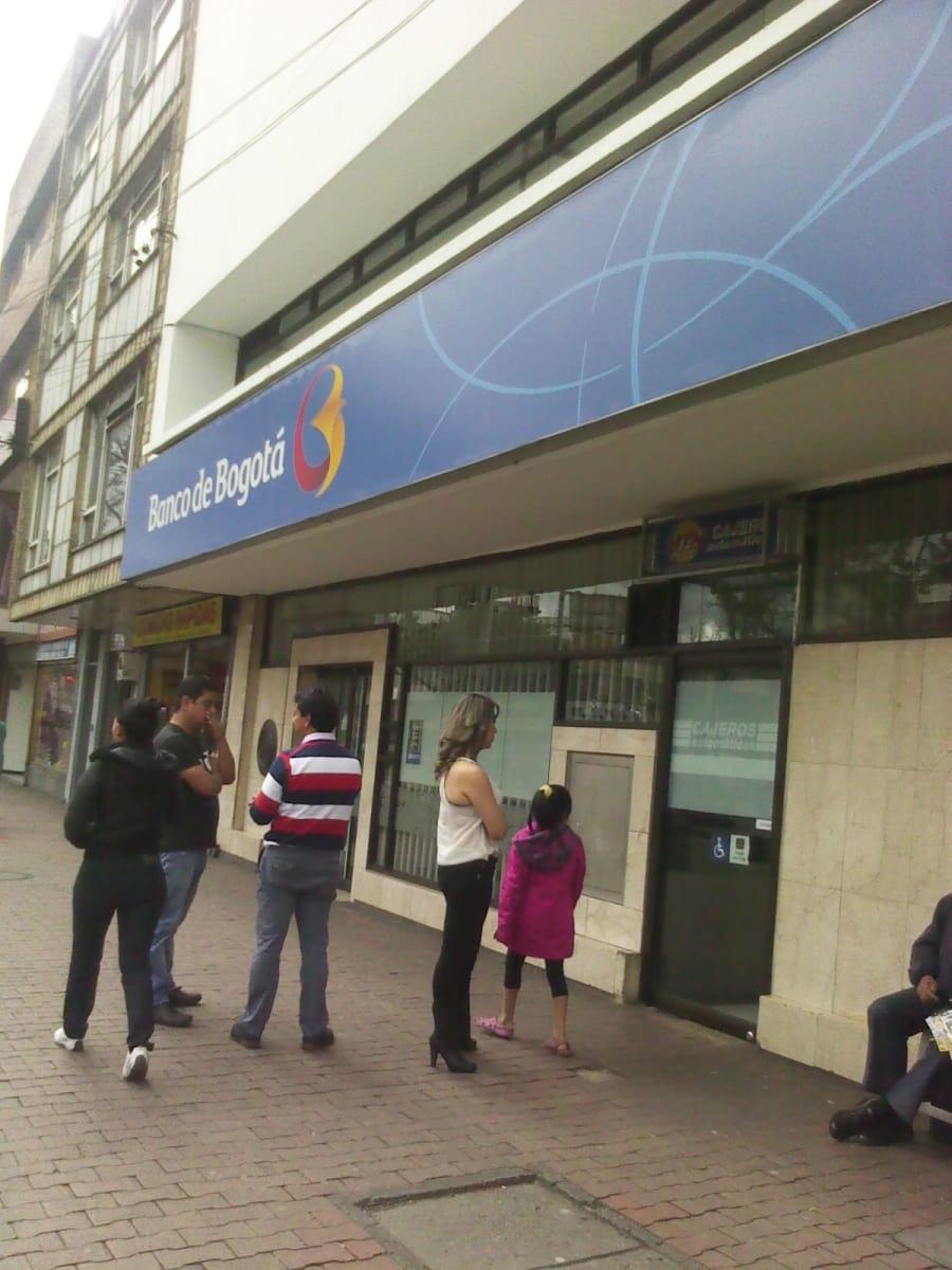 Banco de bogot siete de agosto bancos siete de agosto for Banco de bogota