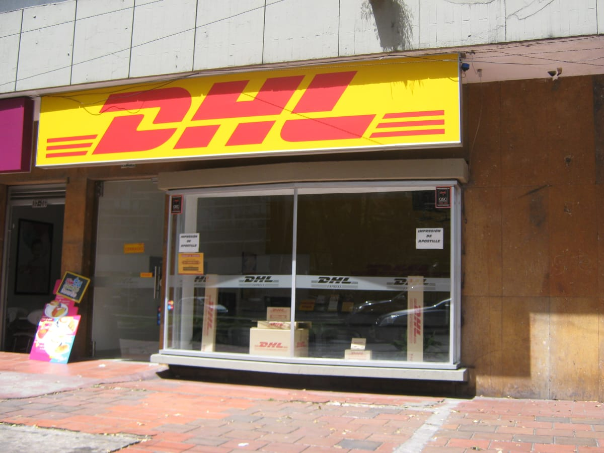 Dhl counter park 97 correos env os y mensajer a chic for Oficinas de dhl
