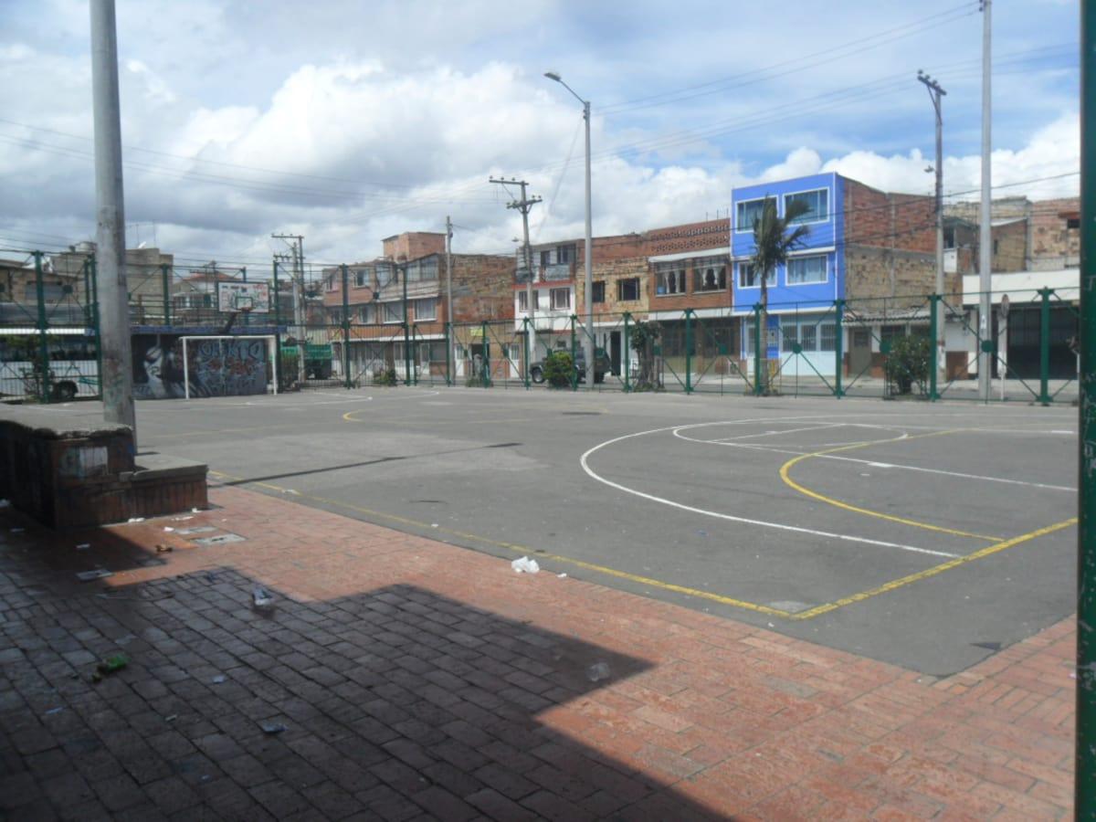 polideportivo de ciudad jard n norte canchas centro