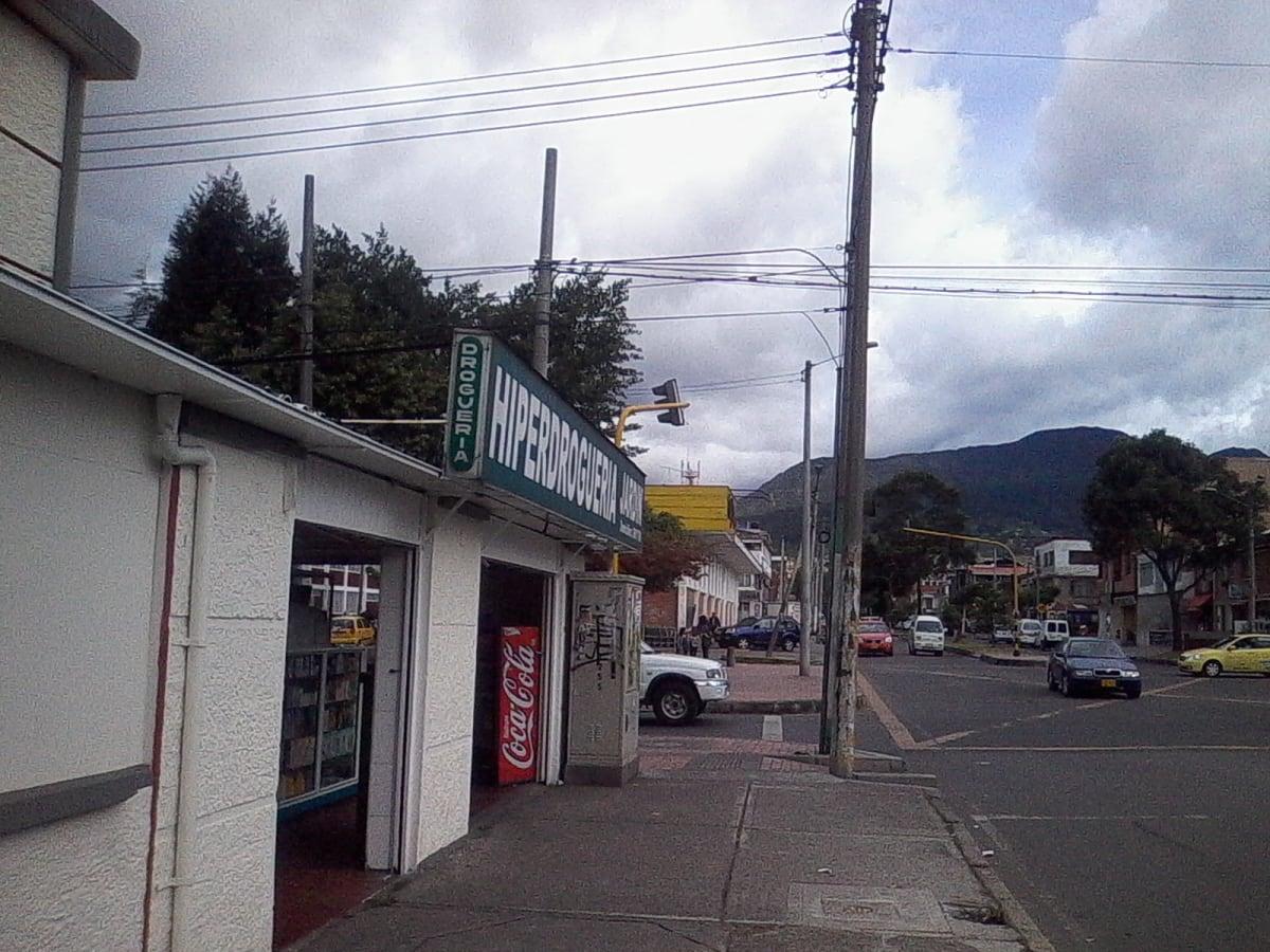 Hiperdroguer a jard n farmacia droguer a ciudad for Arriendos en ciudad jardin sur bogota