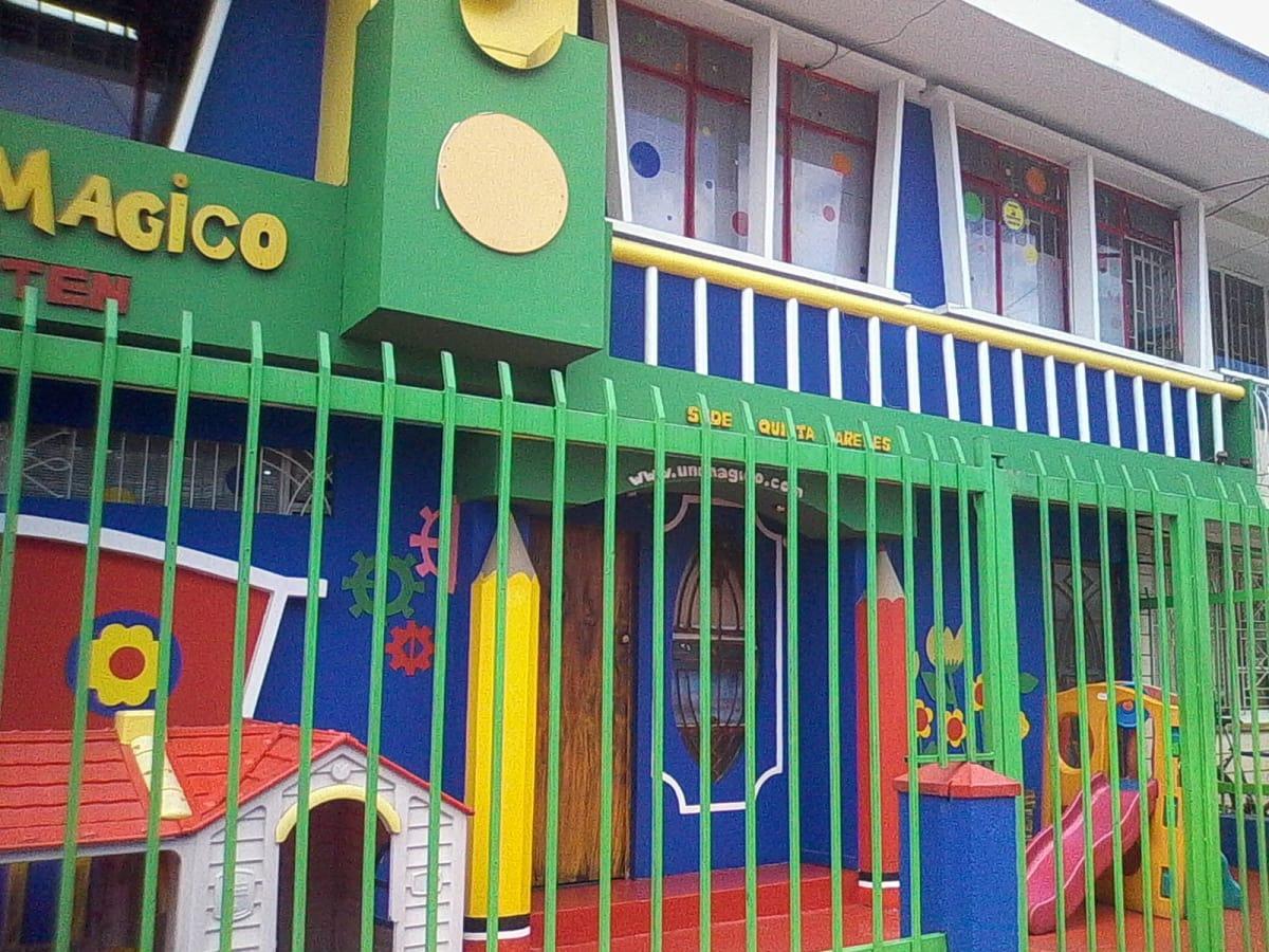 Jard n infantil universo m gico jardines escolares for Cascanueces jardin infantil bogota