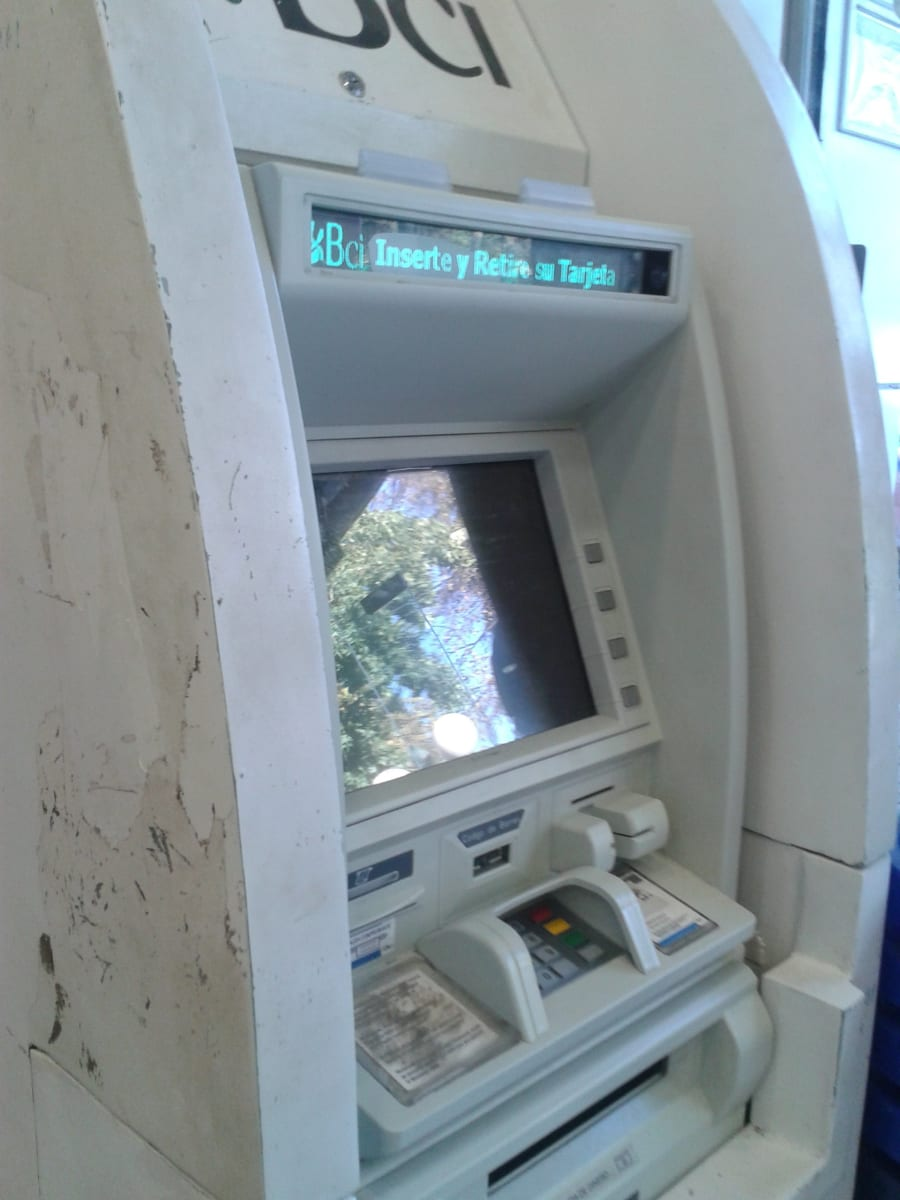 Cajero autom tico bci farmacia salcobrand san bernardo for Dinero maximo cajero