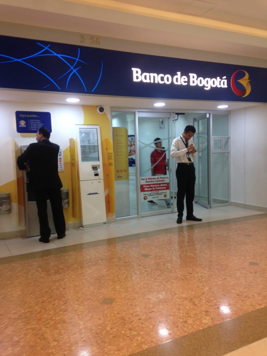 Banco de bogot centro comercial andino bancos centro for Banco de bogota