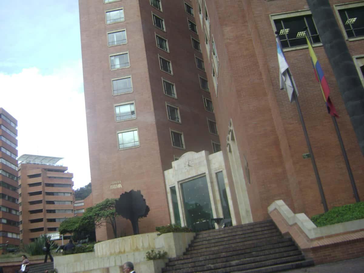 Banco bbva quinta avenida bancos zona g chapinero bogot - Pisos de bancos bbva ...
