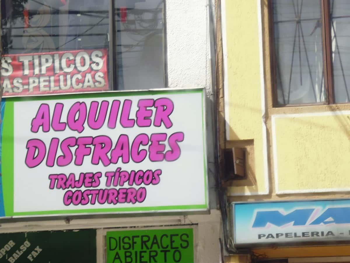 Alquiler de Disfraces Calle 24  9af9b0941d9