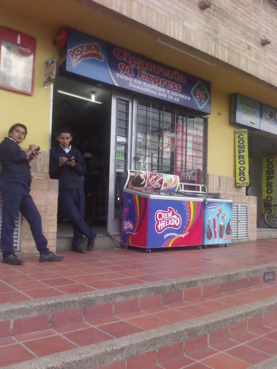 Cigarrer A 91 Express Ornamentaci N Decoraci N Centro Suba  # Muebles Suizos Bogota Suba