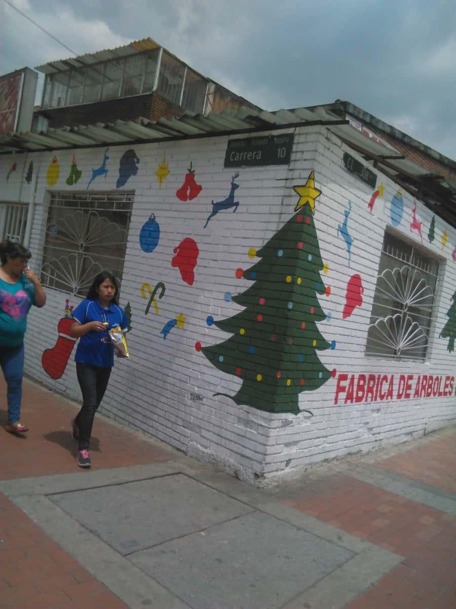 cb01875006e Fabrica de Arboles de Navidad Navilandia